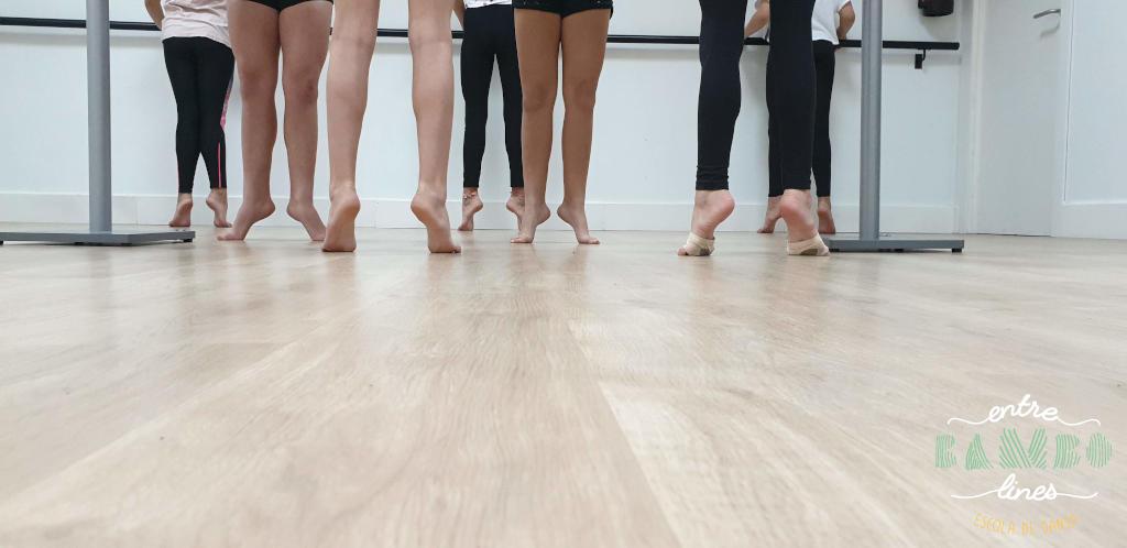 Classes tècnica de dansa per nenes, nens, adolescents, junior i adults a Sant Andreu de la Barca. Balla la Vida!