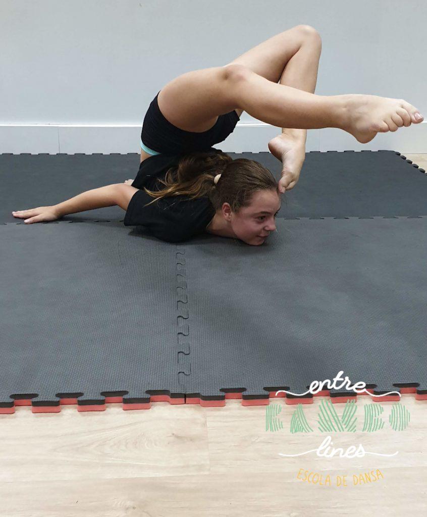 clases junior, adolescentes acrobacia y FitKid en Sant Andreu de la Barca