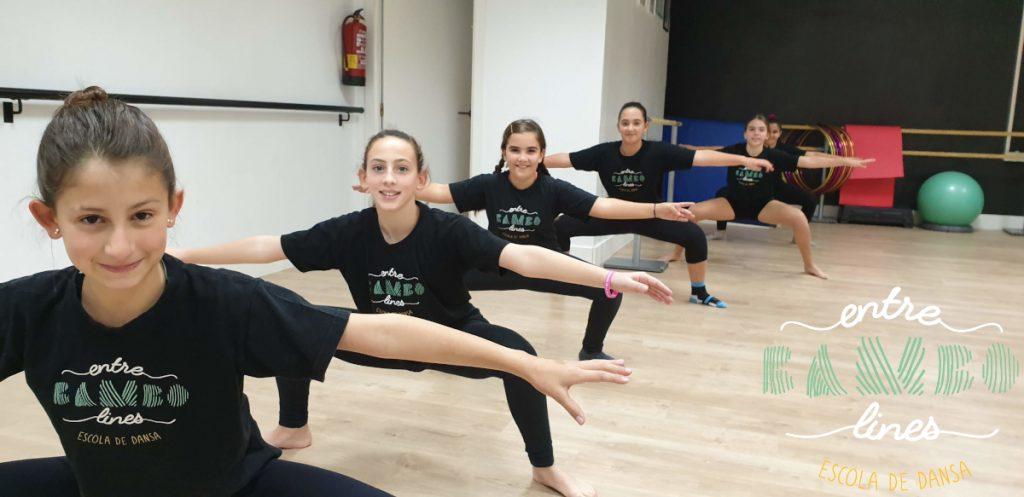 Clase para niños y niñas de danza, acrobàcia i Fit Kid a Sant Andreu de la Barca. Baila la vida!