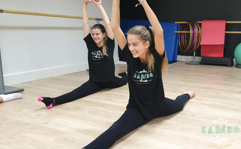 classe junior, adolescents de dansa, acrobàcia i Fit Kid a Sant Andreu de la Barca