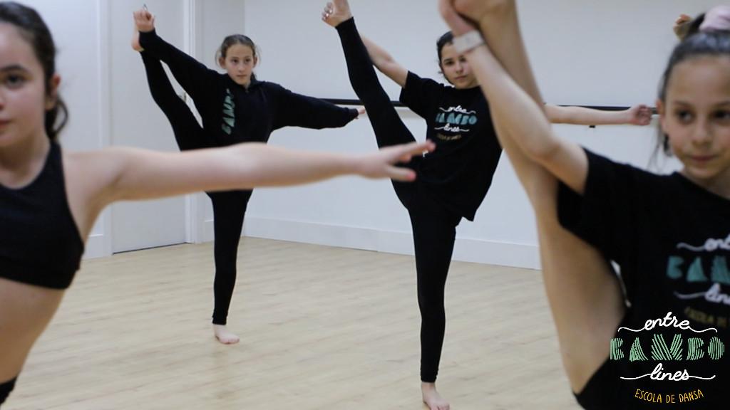 Classes per nens i nenes de dansa, acrobàcia i FitKid a Sant Andreu de la Barca